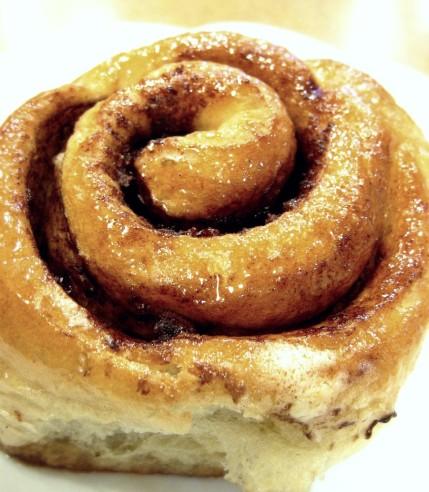 cinnamon-roll-1326351.jpg